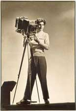 Margaret Bourke-White (1904-1971), Self-portrait with camera, © Digital Image Museum  Associates