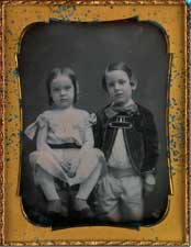 Children in a Daguerreotype portrait - Lot 12